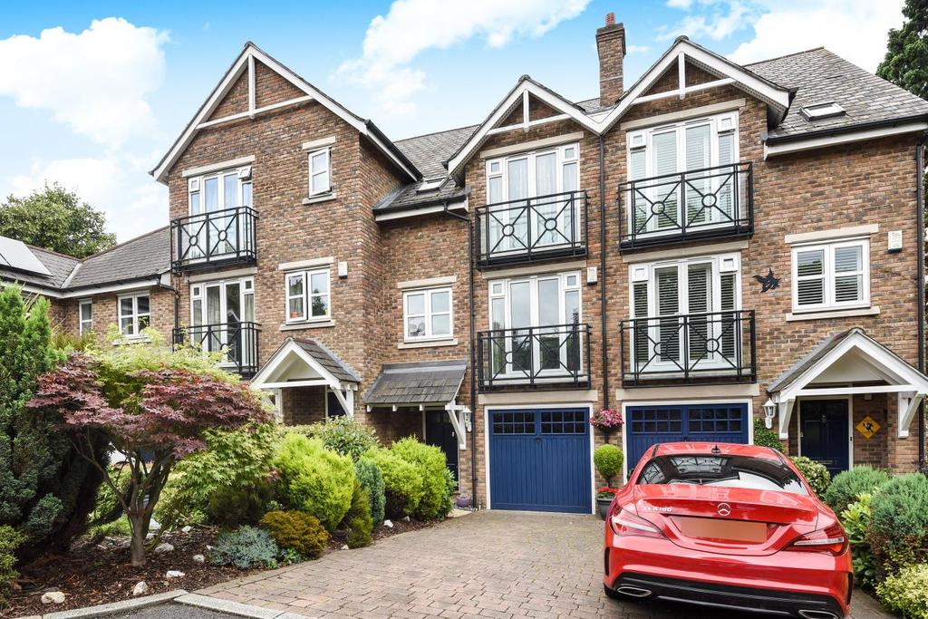 4 Bedrooms Town House for sale in Langham Park Place, Bromley