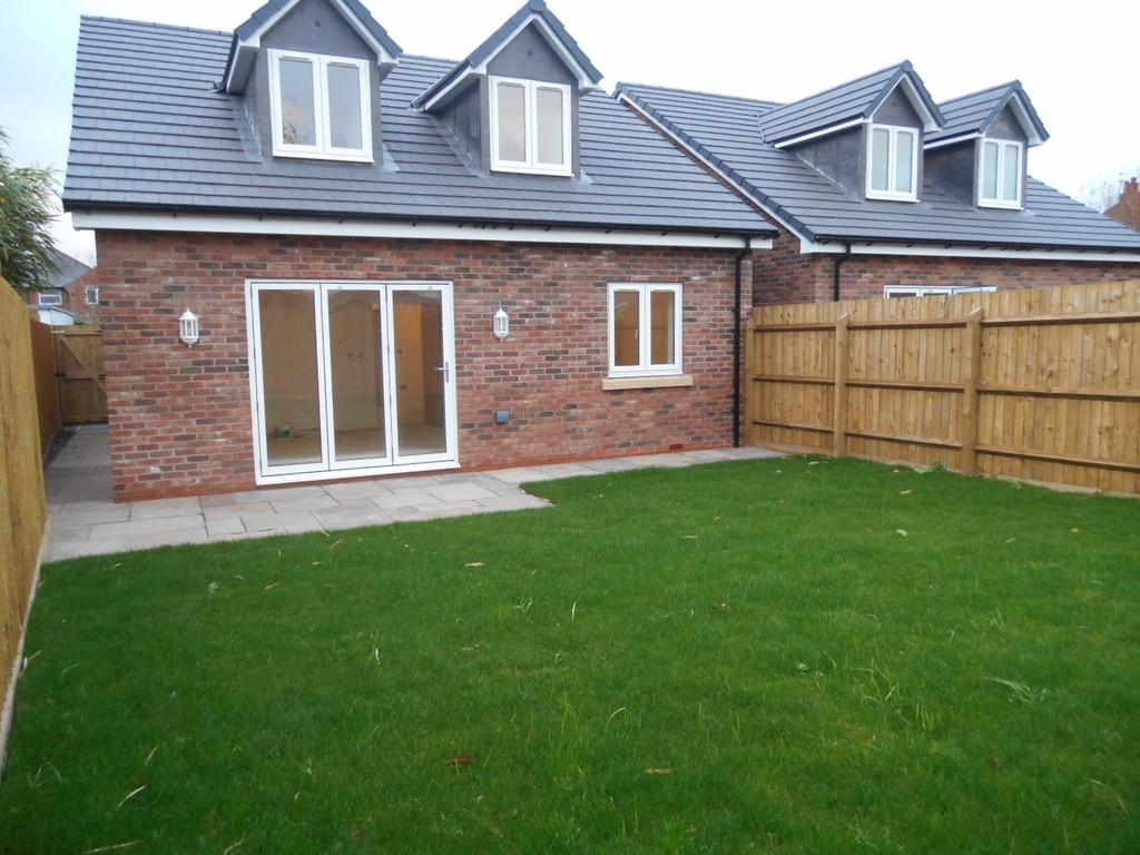 4 Bedrooms Detached Bungalow for sale in Hampton Road, Knowle