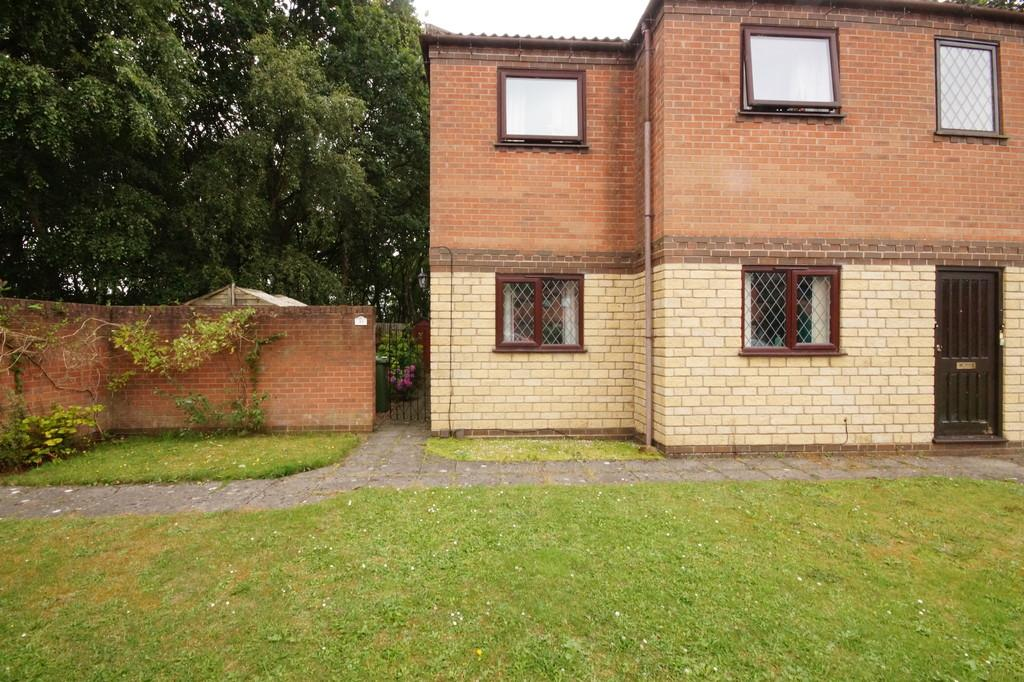 2 Bedrooms Ground Flat for sale in Anderby Close, Lincoln
