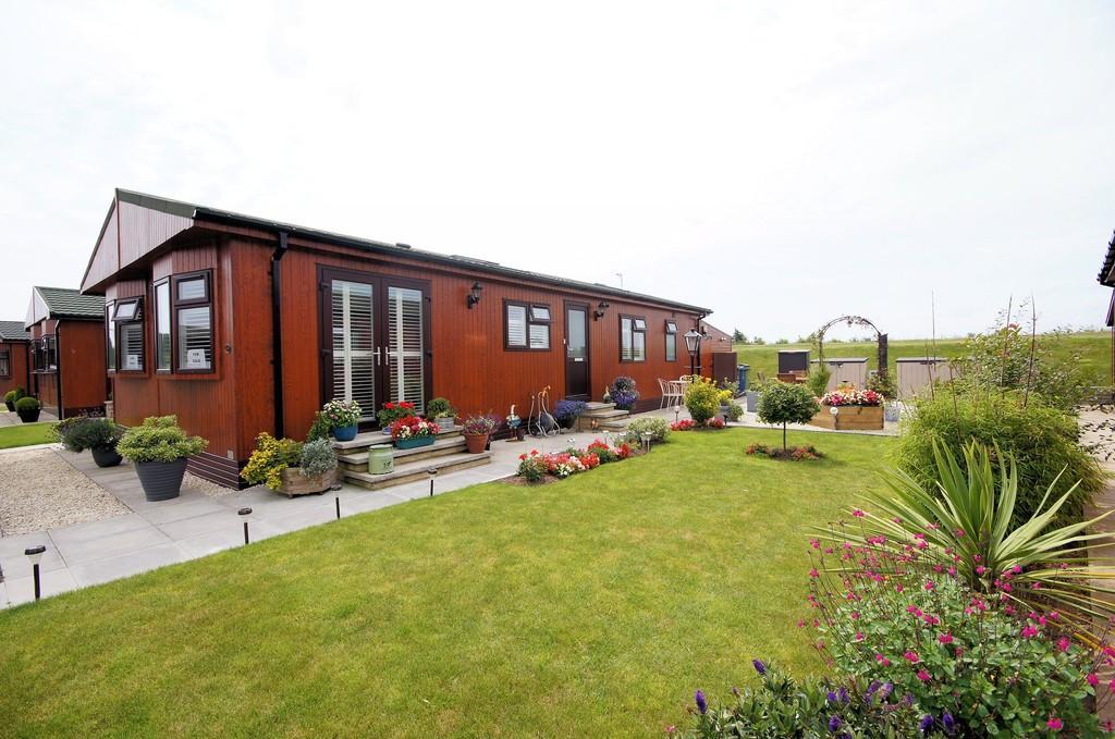 2 Bedrooms Park Home Mobile Home for sale in Fossdyke Walk, The Elms, Torksey