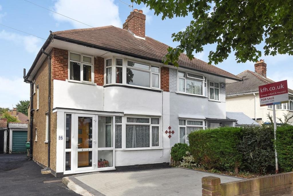 3 Bedrooms Semi Detached House for sale in Chatham Avenue, Hayes, BR2