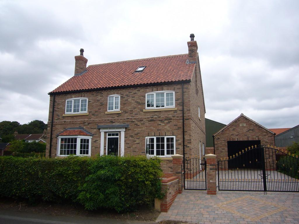 5 Bedrooms Detached House for sale in Back Lane, East Cowick, Nr Goole, East Yorkshire, DN14 9HA