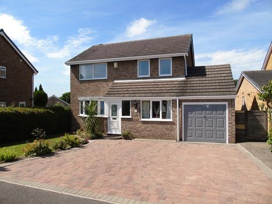 4 Bedrooms Detached House for sale in 9 Sorrento Way, Darfield, Barnsley, S73 9RN