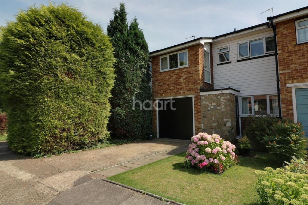 3 Bedrooms Terraced House for sale in Shepperton, Middlesex