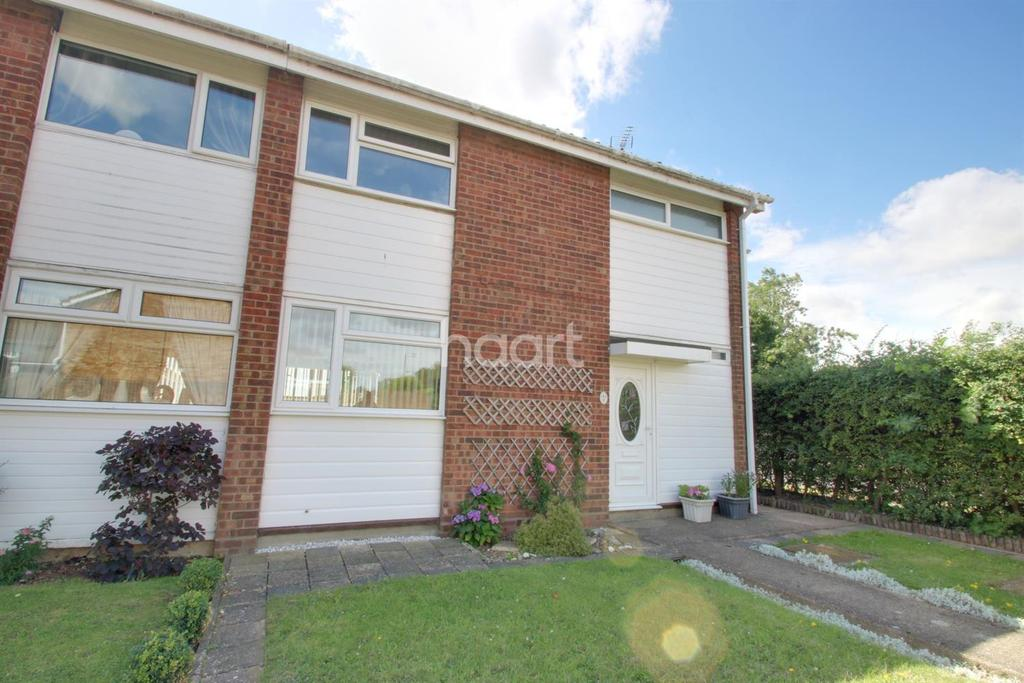 3 Bedrooms Semi Detached House for sale in Deben Close, Witham, CM8