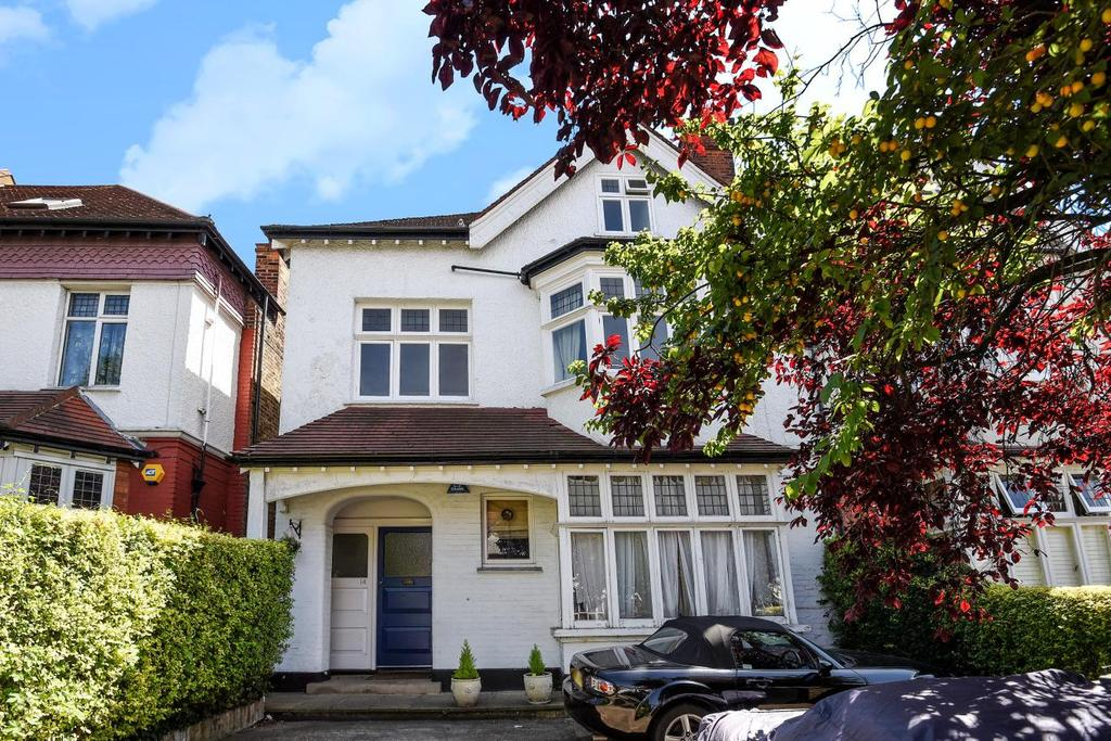 2 Bedrooms Flat for sale in Becmead Avenue, Streatham
