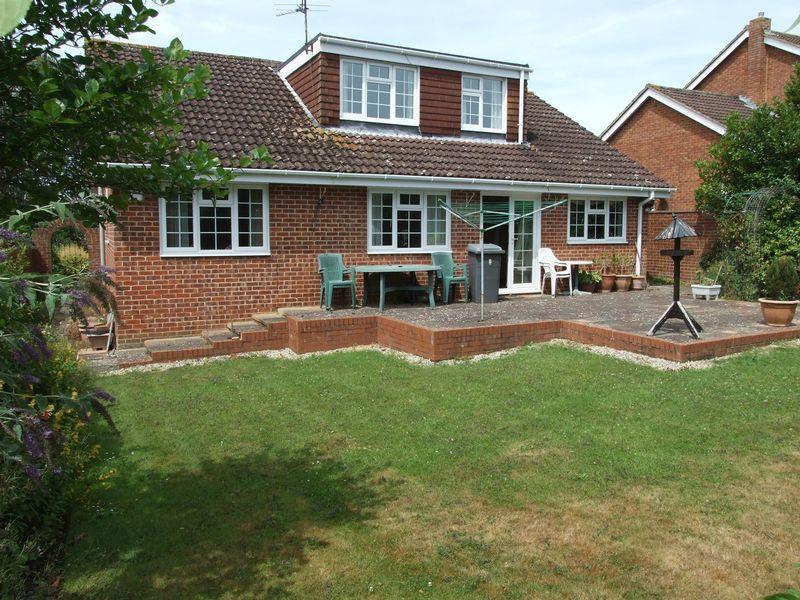 4 Bedrooms Detached Bungalow for sale in Windsor Drive, Trowbridge