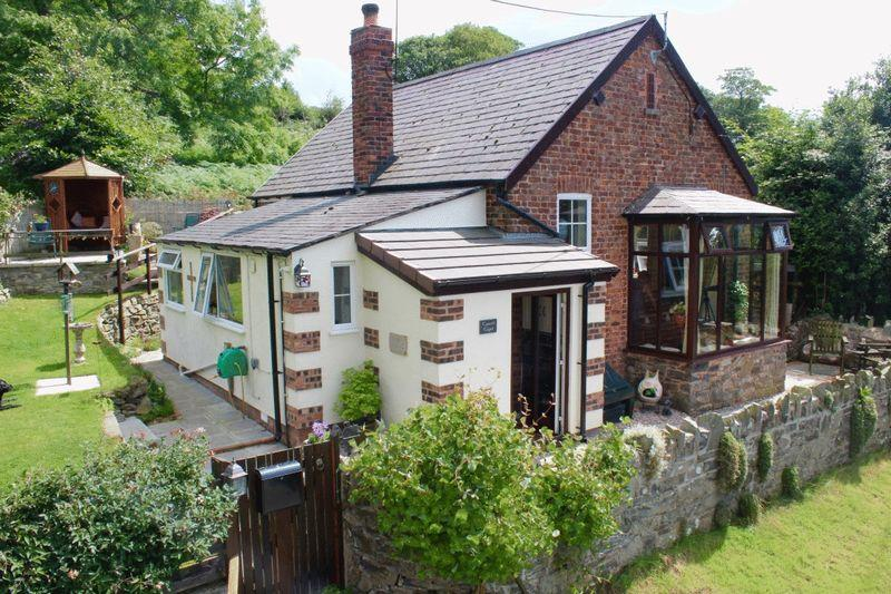 2 Bedrooms Cottage House for sale in Bodfari