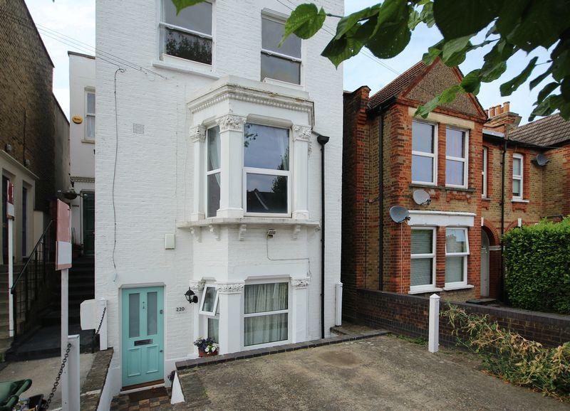 2 Bedrooms Apartment Flat for sale in Birkbeck Road, Beckenham