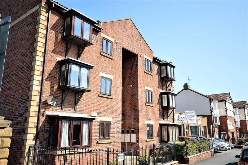 2 Bedrooms Apartment Flat for sale in Westfield Court, Whitby