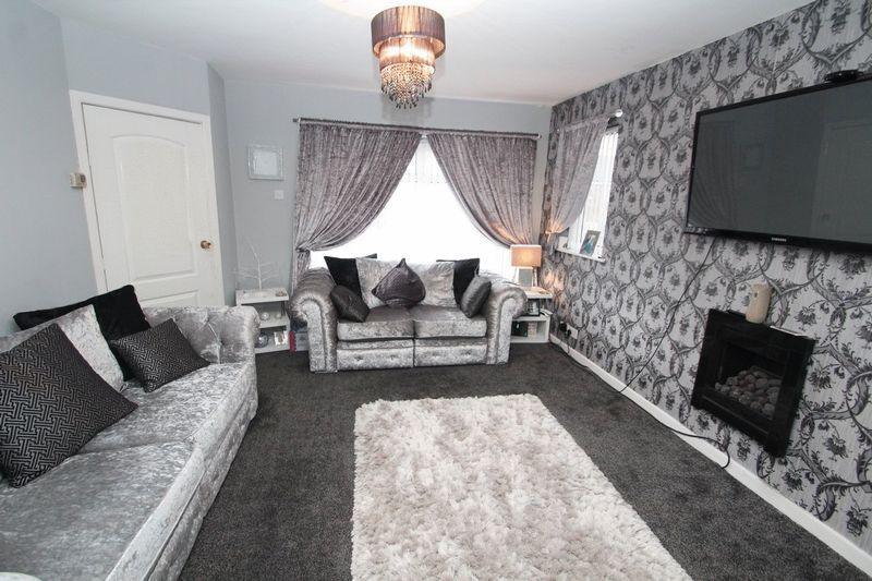 3 Bedrooms Terraced House for sale in Mountain Ash, Rochdale, OL12 7JD