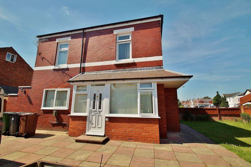 4 Bedrooms Semi Detached House for sale in Newton Street, Southport