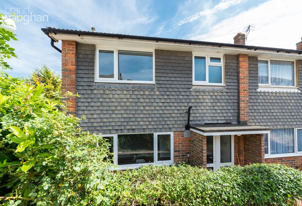 3 Bedrooms End Of Terrace House for sale in Lambourne Close, Brighton, BN1