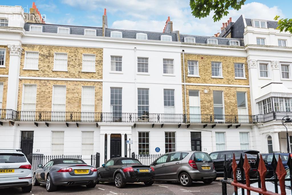 3 Bedrooms Apartment Flat for sale in Sussex Square, Brighton, BN2