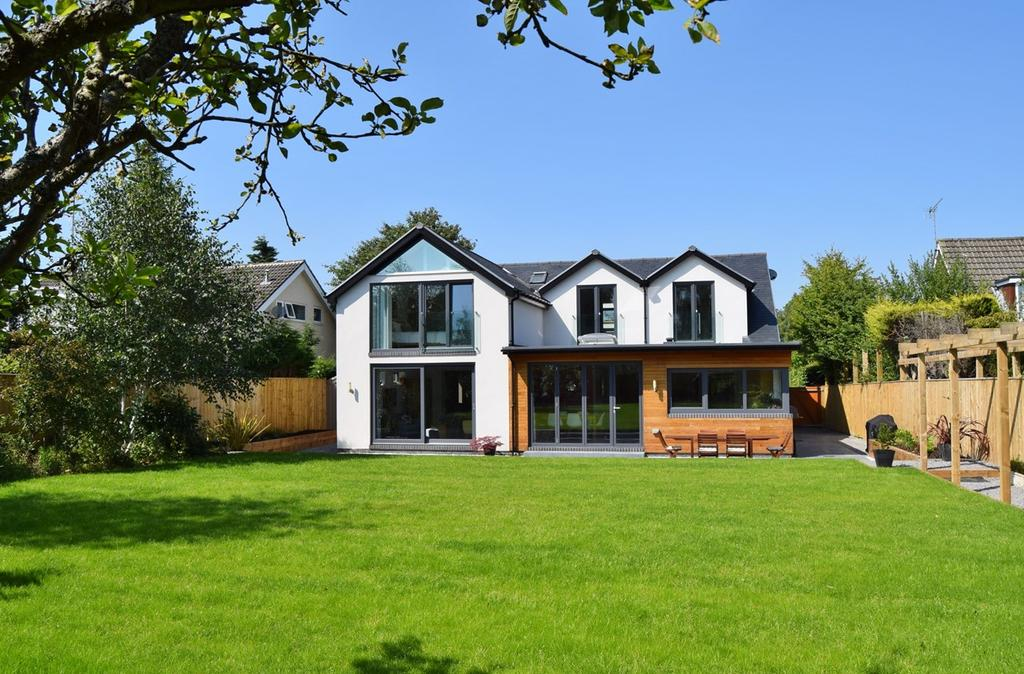 4 Bedrooms Detached House for sale in Pinegarth, Darras Hall, Ponteland, Newcastle upon Tyne, NE20