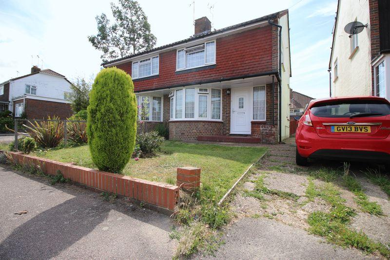 3 Bedrooms Semi Detached House for sale in Noel Rise, Burgess Hill