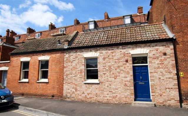 2 Bedrooms Terraced Bungalow for sale in Kings Place, Bridgwater