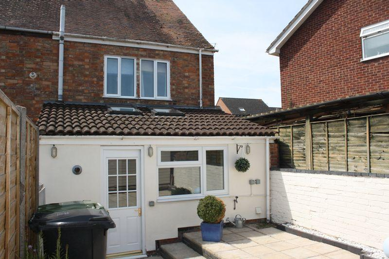 3 Bedrooms End Of Terrace House for sale in Victoria Terrace, Pershore