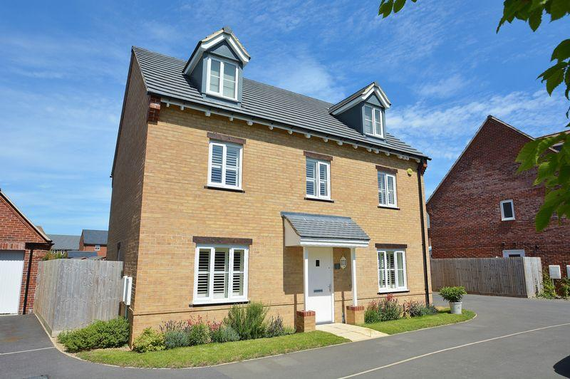 6 Bedrooms Detached House for sale in Chiltern View, Chinnor