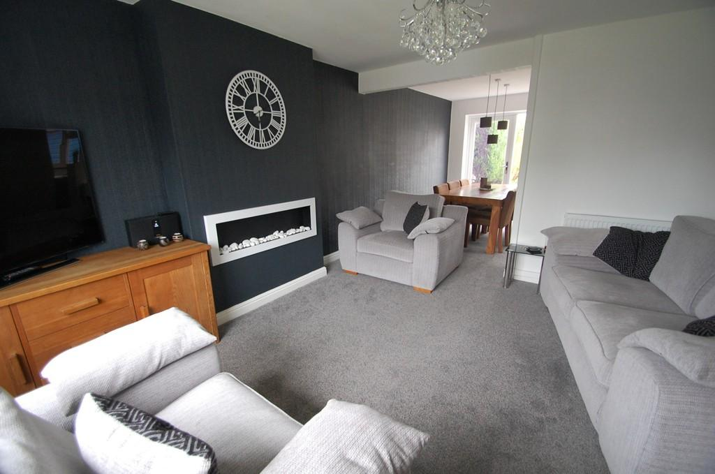 3 Bedrooms Semi Detached House for sale in Crediton Close, Livesey, Blackburn