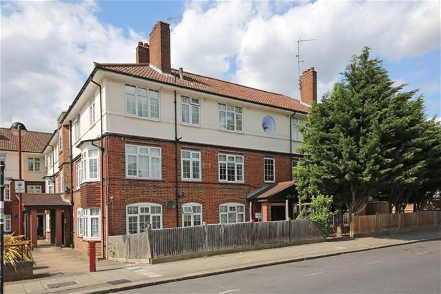 3 Bedrooms Flat for sale in Fountain Road, Tooting