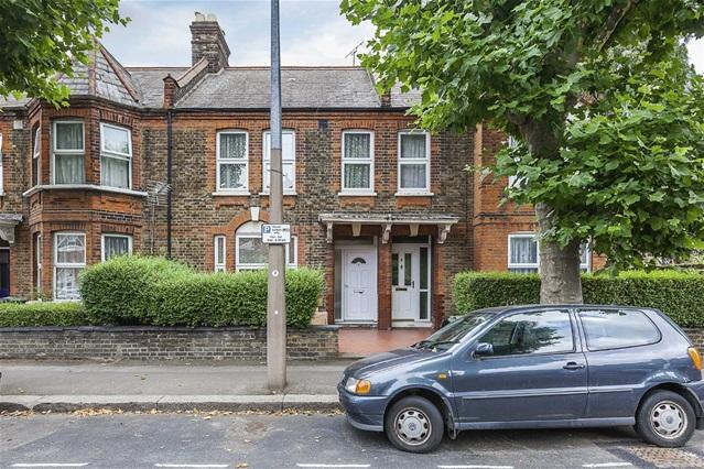 3 Bedrooms House for sale in Blyth Road, Walthamstow