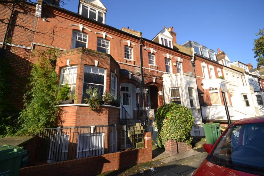 2 Bedrooms Flat for sale in Kingdon Road, West Hampstead