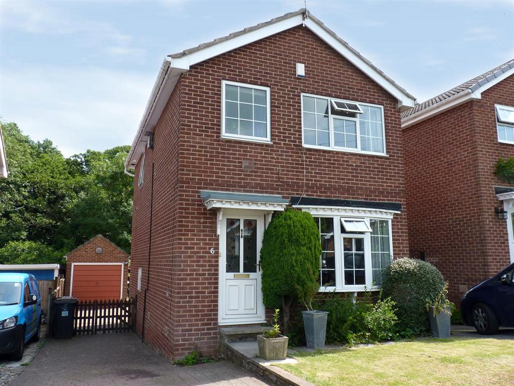 3 Bedrooms Detached House for sale in Stonebeck Avenue, Harrogate