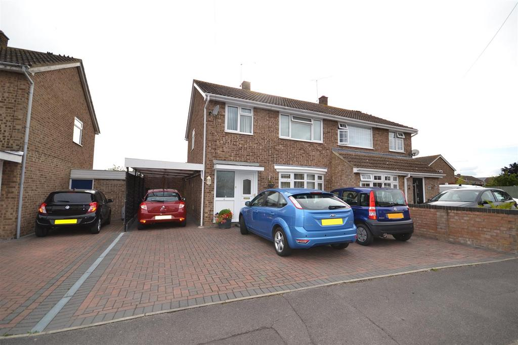 3 Bedrooms Semi Detached House for sale in Longfellow Road, Maldon