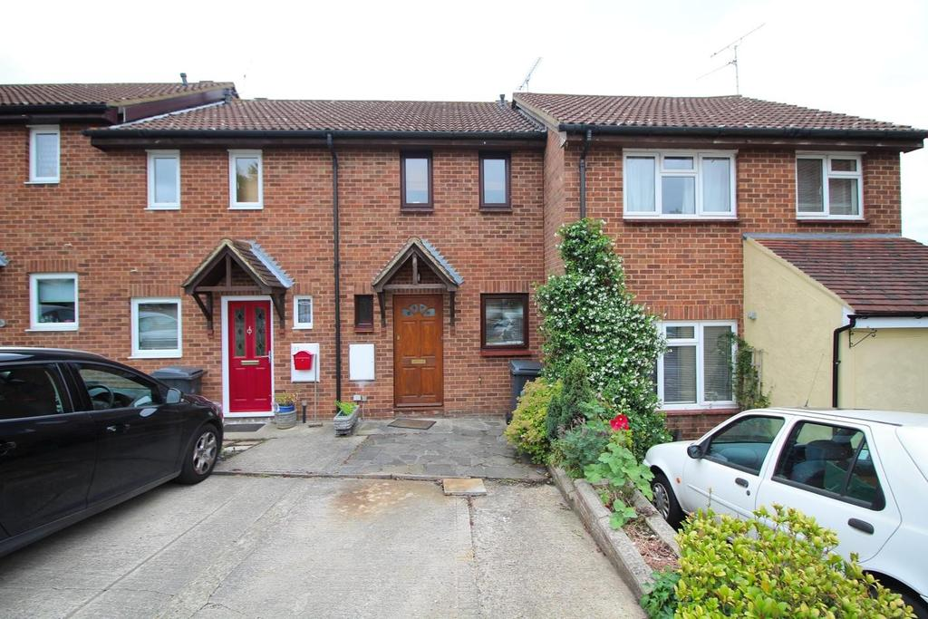 2 Bedrooms Terraced House for sale in Catherines Close, Great Leighs, Chelmsford, Essex, CM3