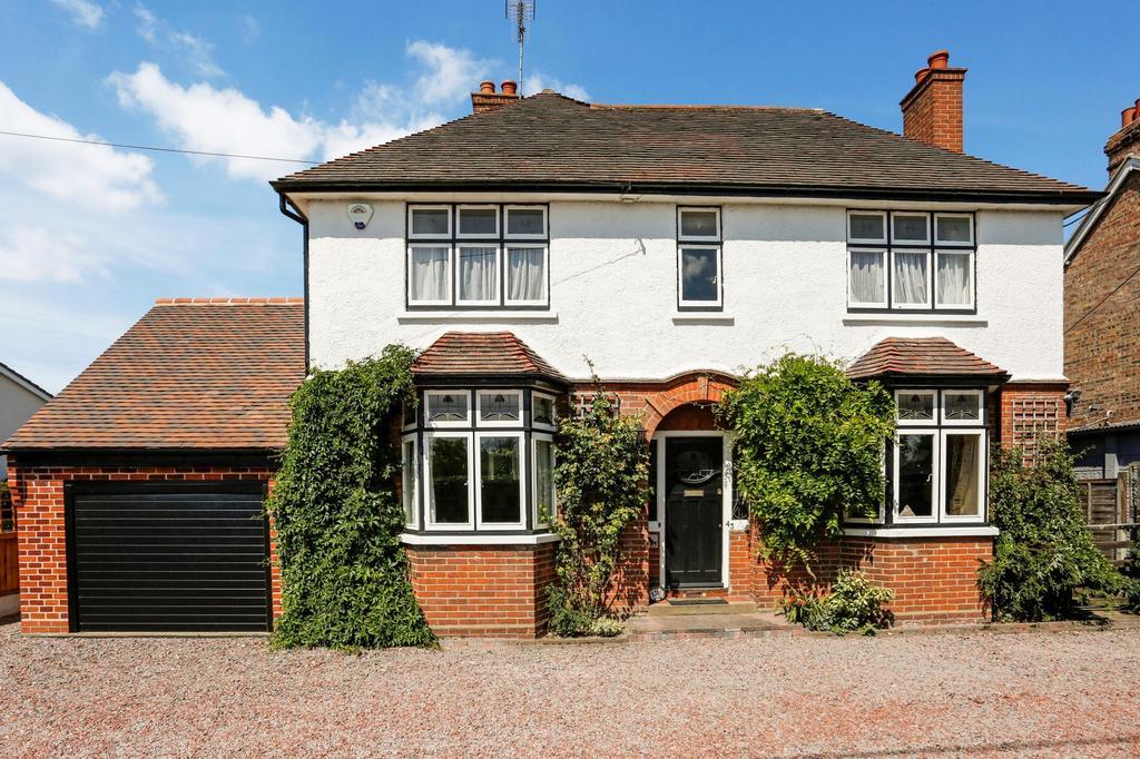 4 Bedrooms Detached House for sale in Basin Road, Heybridge Basin, Maldon, Essex, CM9