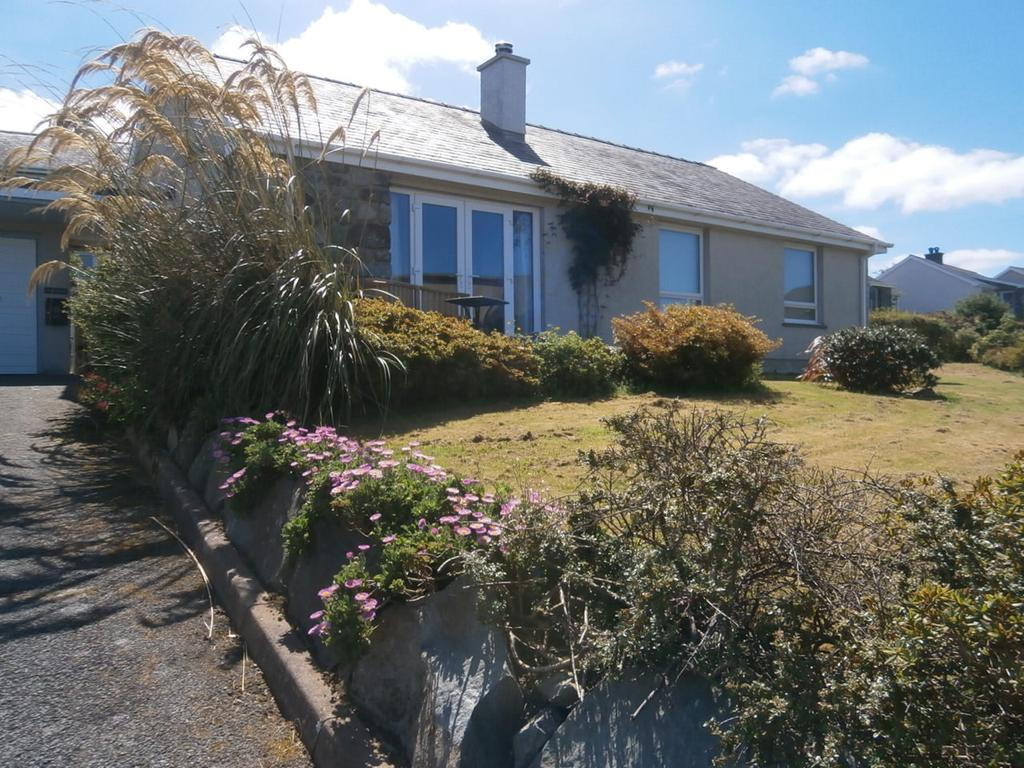 3 Bedrooms Detached Bungalow for sale in Eryl Y Mor, Heol Y Bryn, Harlech LL46