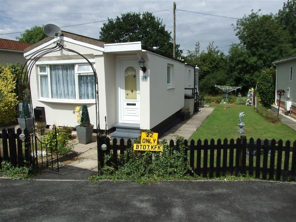 1 Bedroom Park Home Mobile Home for sale in Mill Farm Park, Bulkington