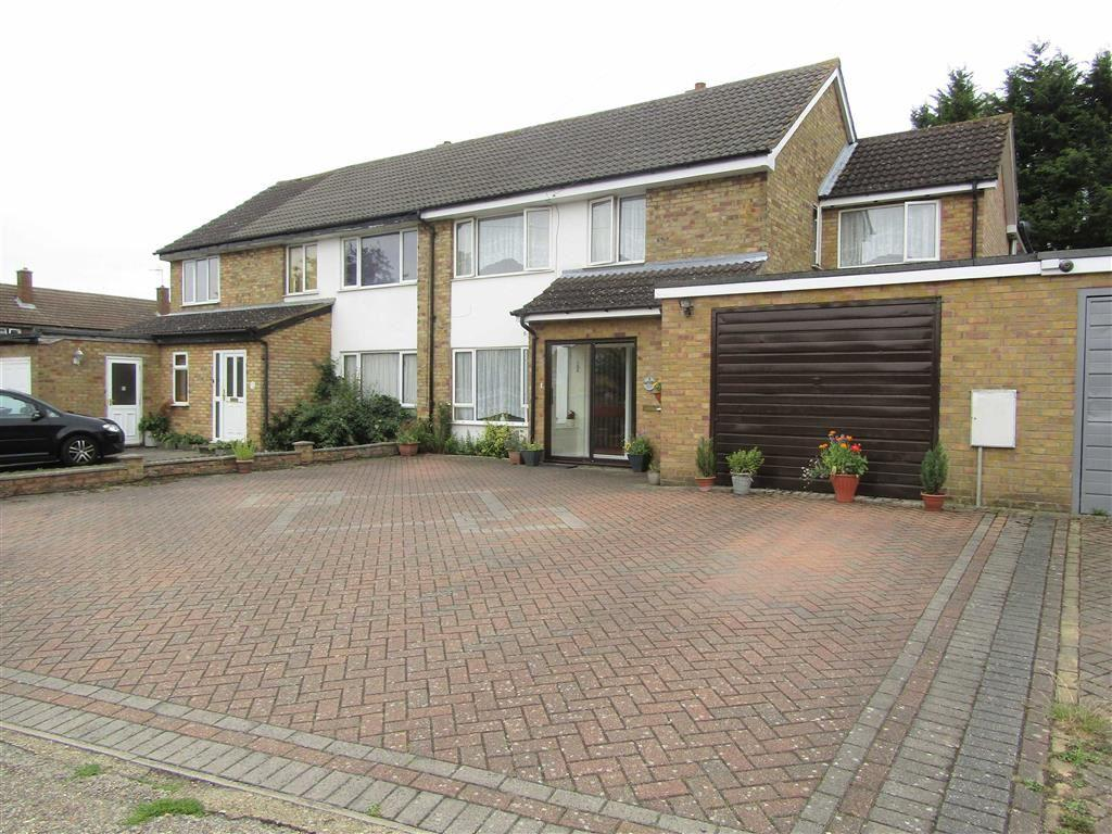 4 Bedrooms Semi Detached House for sale in Swinburne Avenue, Hitchin, SG5