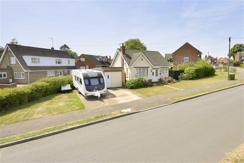 3 Bedrooms Detached Bungalow for sale in Ise Road, Kettering