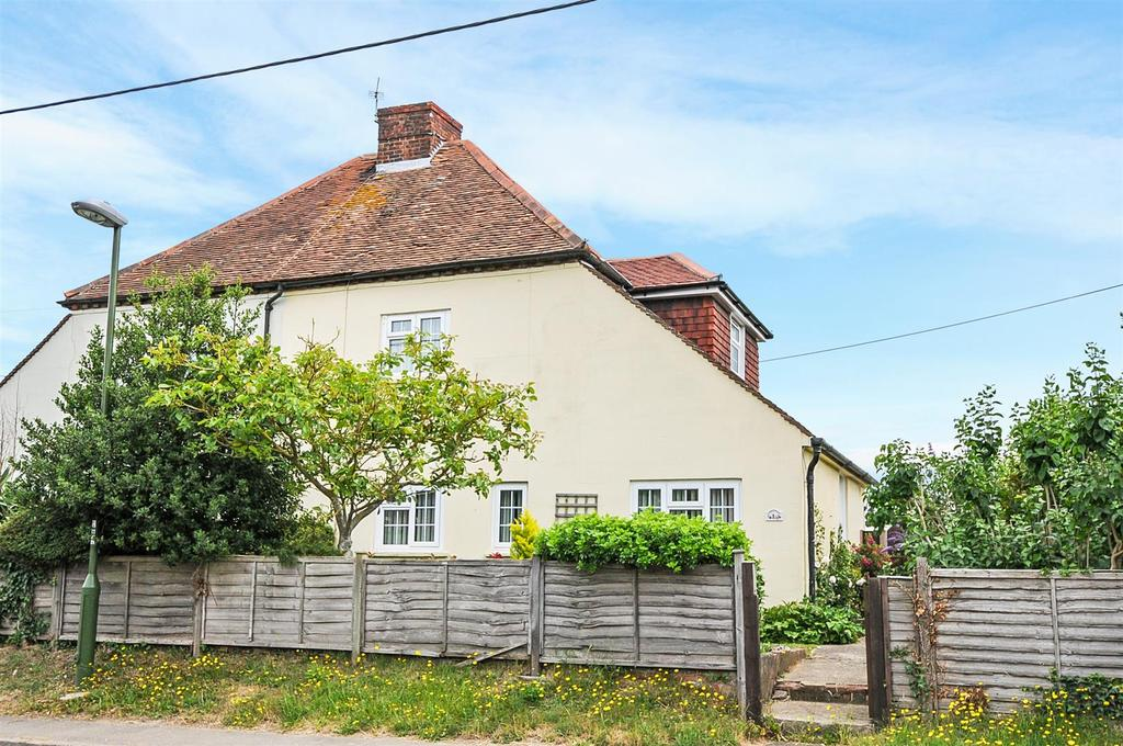 2 Bedrooms Semi Detached House for sale in North End Road, Yapton