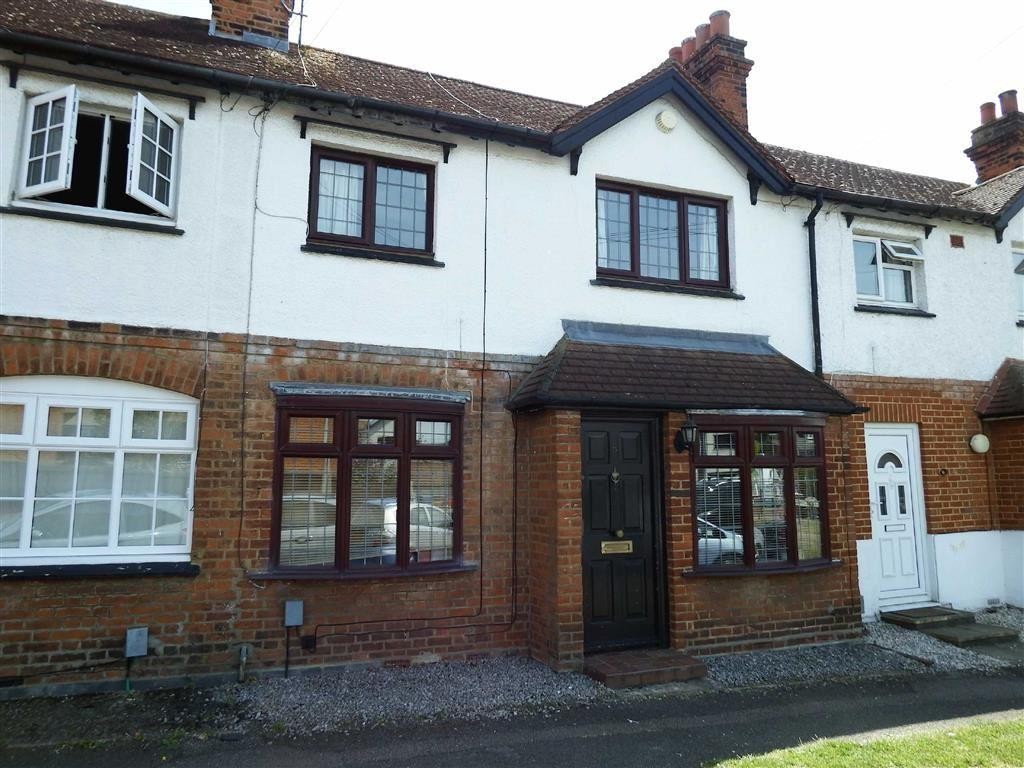 2 Bedrooms Terraced House for sale in Haycroft Road, Stevenage, Hertfordshire, SG1
