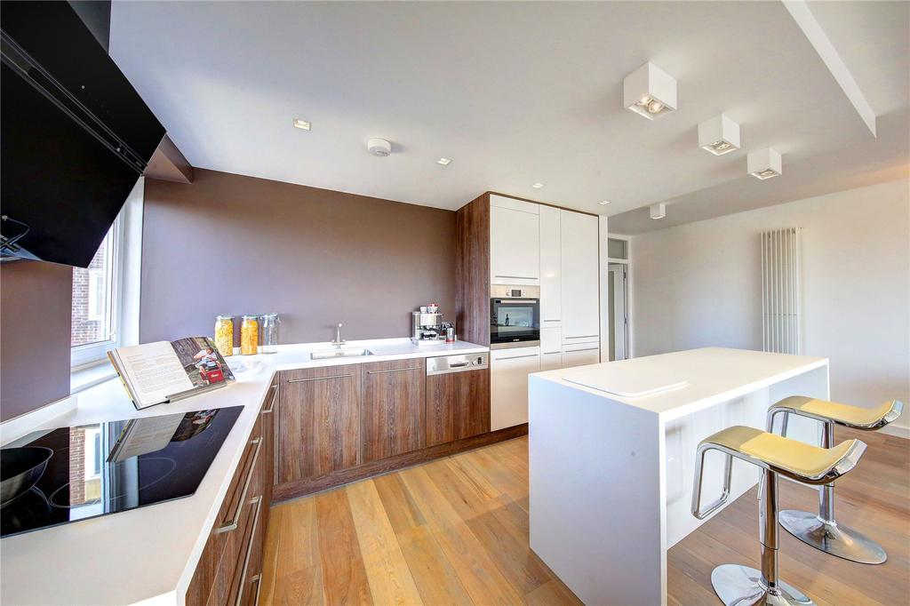 2 Bedrooms Flat for sale in Lavington Court, 77 Putney Hill, SW15