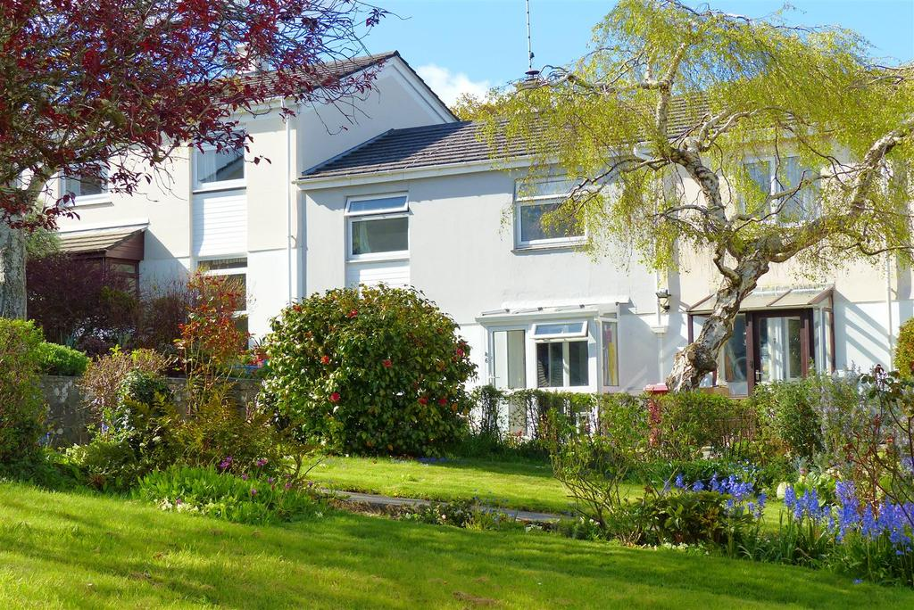 3 Bedrooms Terraced House for sale in Pendale Square, Truro