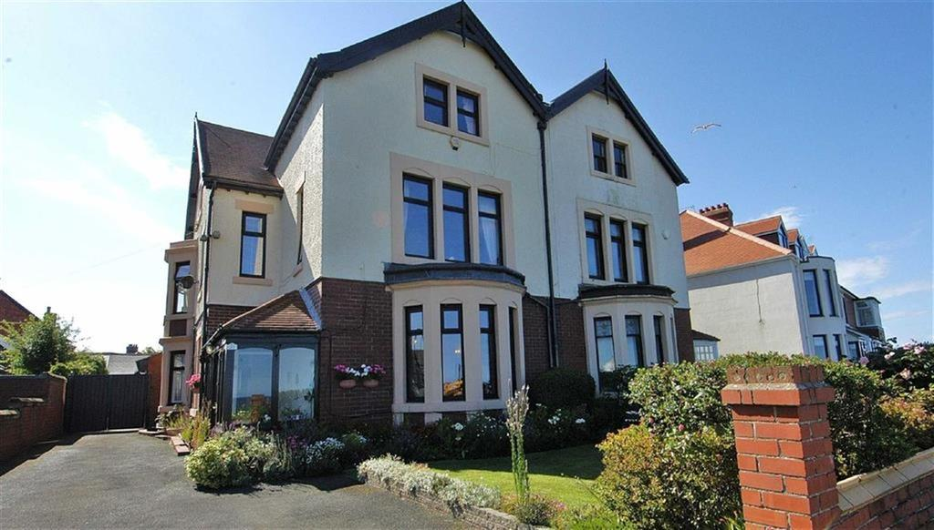 5 Bedrooms Semi Detached House for sale in The Links, Whitley Bay
