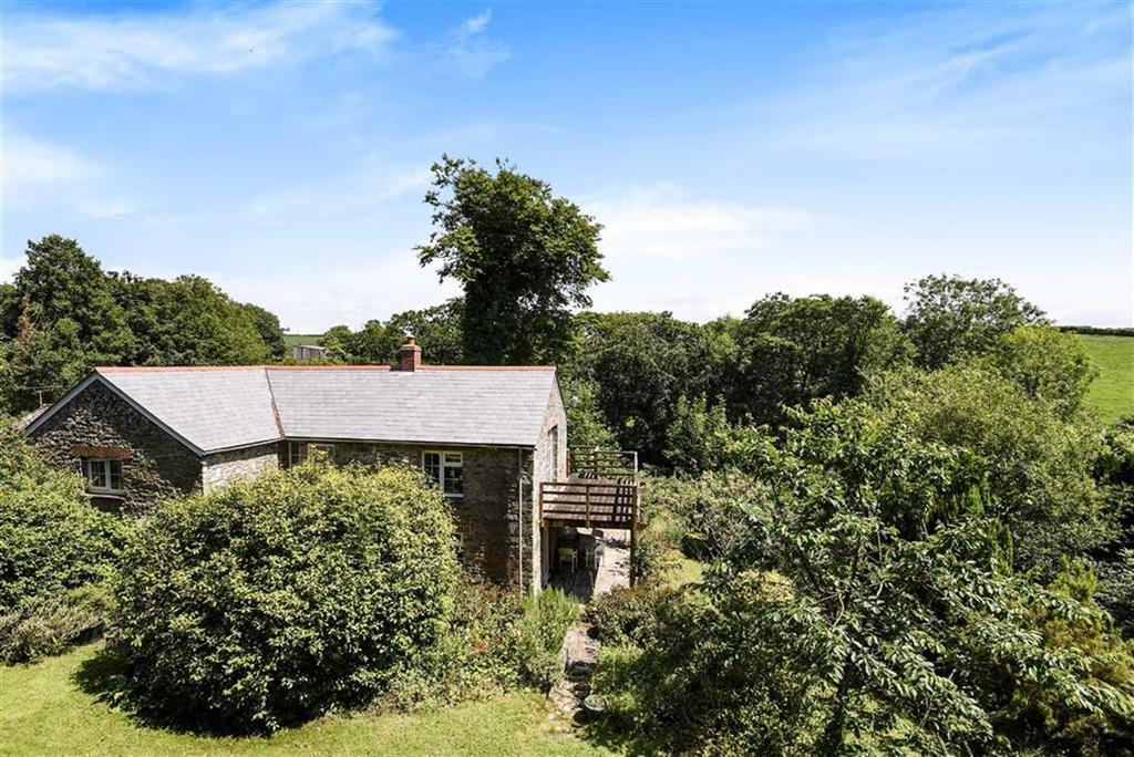 2 Bedrooms Detached House for sale in Trelill, Bodmin, Cornwall, PL30