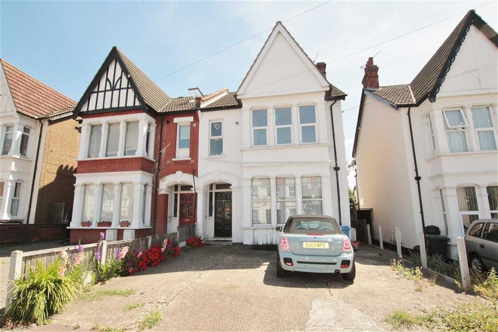 1 Bedroom Flat for sale in Meteor Road, Westcliff-On-Sea, Essex