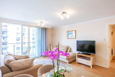 2 bedroom apartment to rent - Boardwalk Place, London, E14
