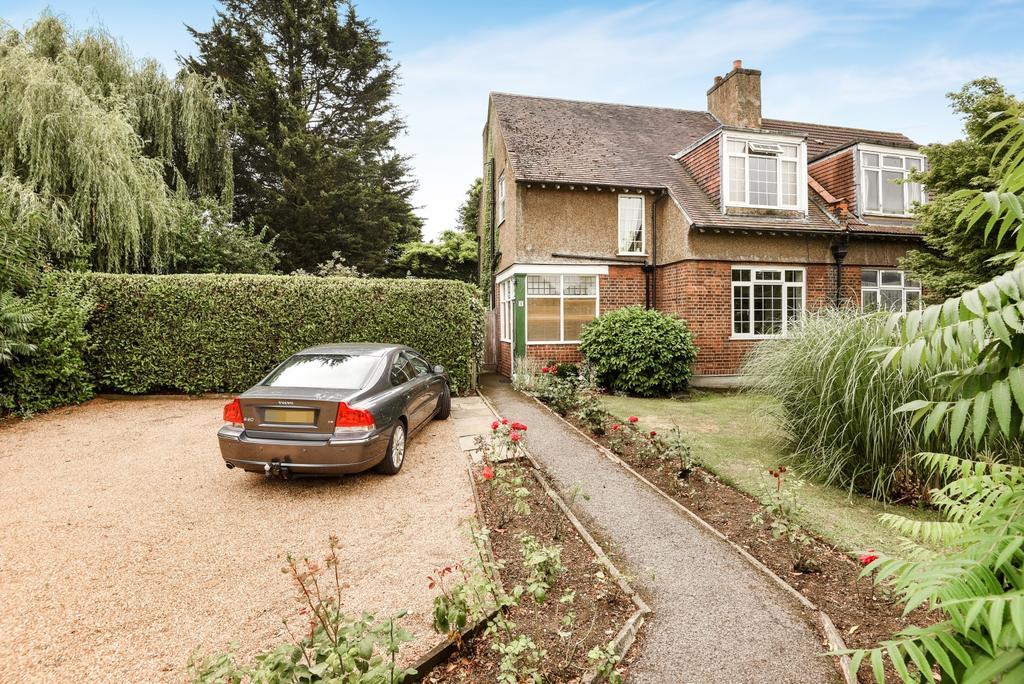 3 Bedrooms Semi Detached House for sale in Oakhaven Villas, London, SE3