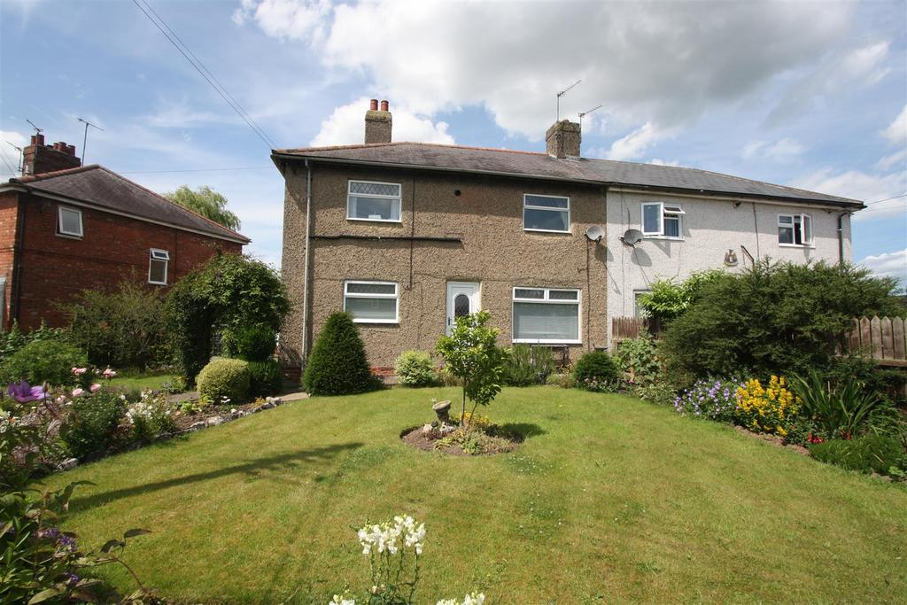 3 Bedrooms Semi Detached House for sale in Thorntree Gardens, Middleton St. George, Darlington