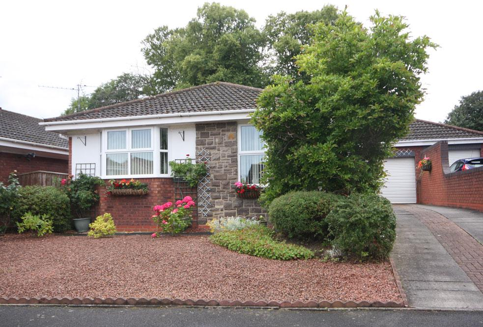 3 Bedrooms Detached Bungalow for sale in Lilburn Close, Deneside View, Chester-le-Street DH2 3TN