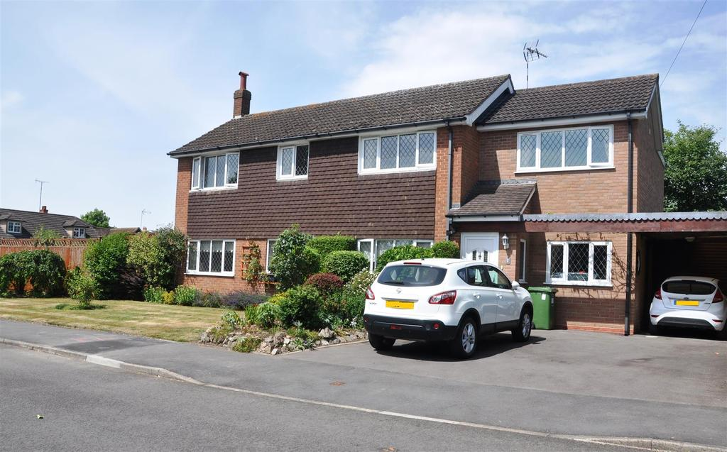 4 Bedrooms Detached House for sale in Elmdene Close, Hatton, Warwick