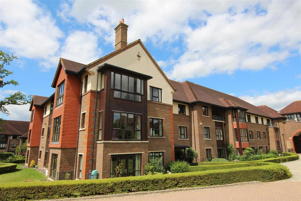 2 Bedrooms Retirement Property for sale in Ditchling Road, Burgess Hill