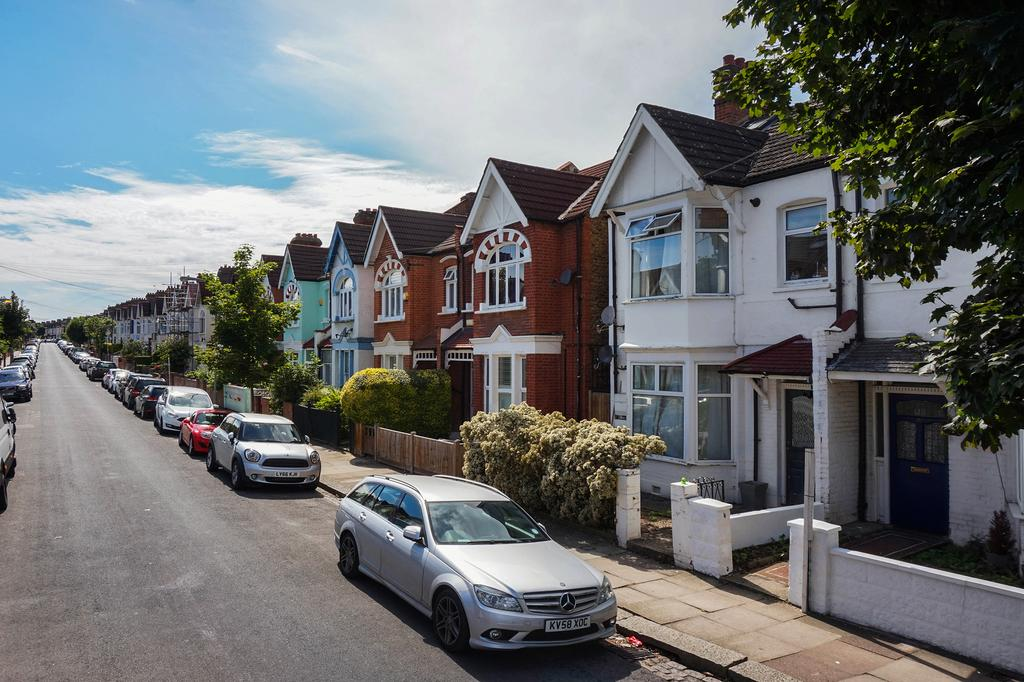 2 Bedrooms Flat for sale in Ribblesdale Road, SW16