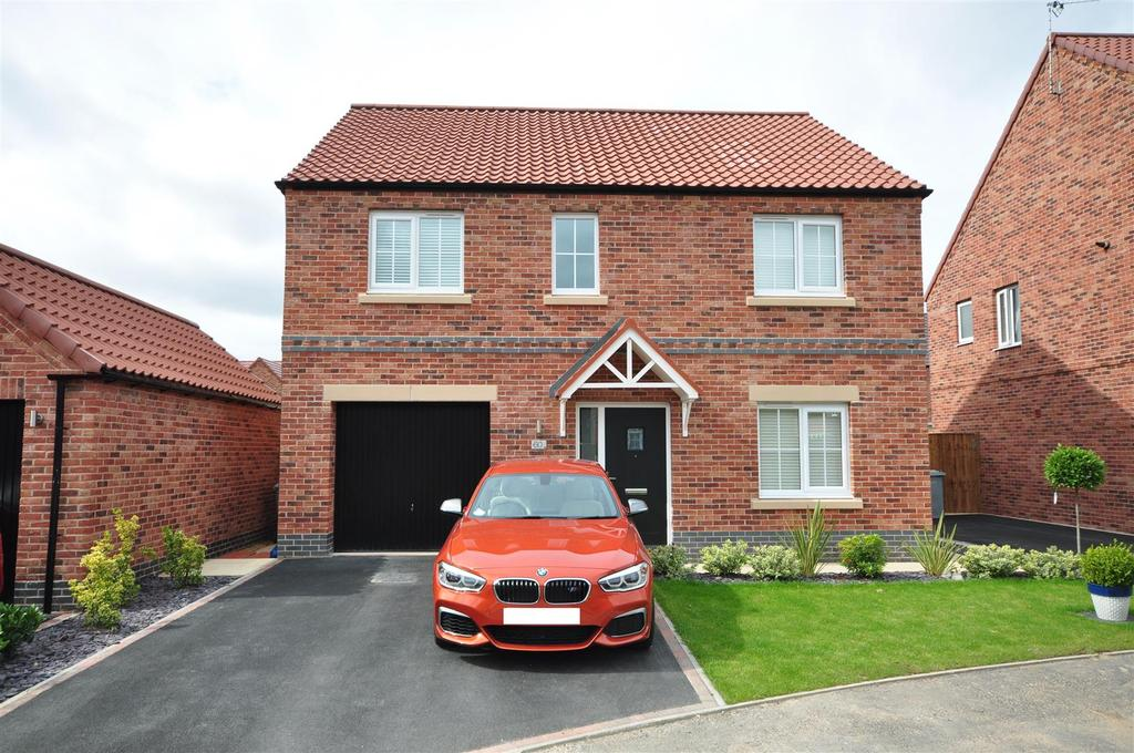 4 Bedrooms Detached House for sale in Kingfisher Way, Ollerton, Newark